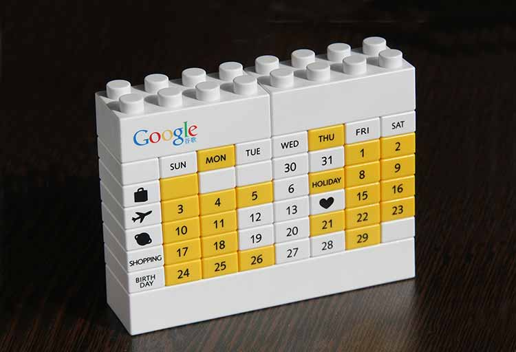 Photograph of a Lego brick construction creating a Google calendar page